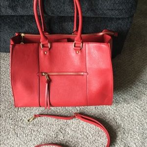 HANDBAG - GREAT CONDITION